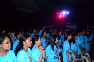 More than 800 students pledged to join in the fight against trafficking at the end of the rally.