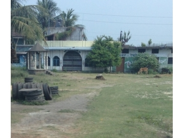 In the trial against Nakul Bera, survivors shared how they had been tortured and trapped in the brothel, pictured here. Police locked and sealed the brothel on that very night of rescue. Today, grass grows outside the brothel, indicating it has remained closed ever since.